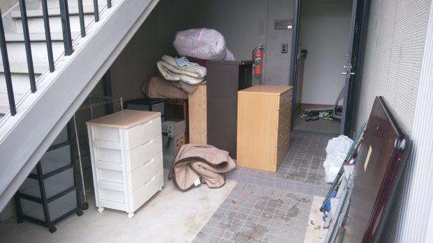 新居浜市宮原町で冷蔵庫、エアコン、こたつ、衣装ケースなどの不用品回収 施工事例紹介