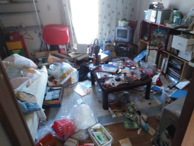 【八幡浜市保内町】お引っ越し後に残った不用品の回収☆大量の不用品が残されたお部屋が短時間で空っぽになりご満足いただけました!