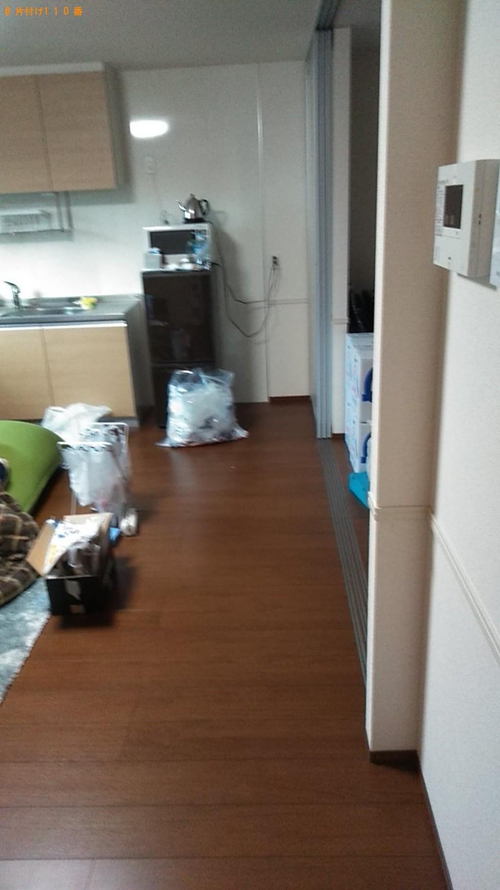【松山市】テレビ台、収納棚、セミダブルベッドの回収・処分ご依頼