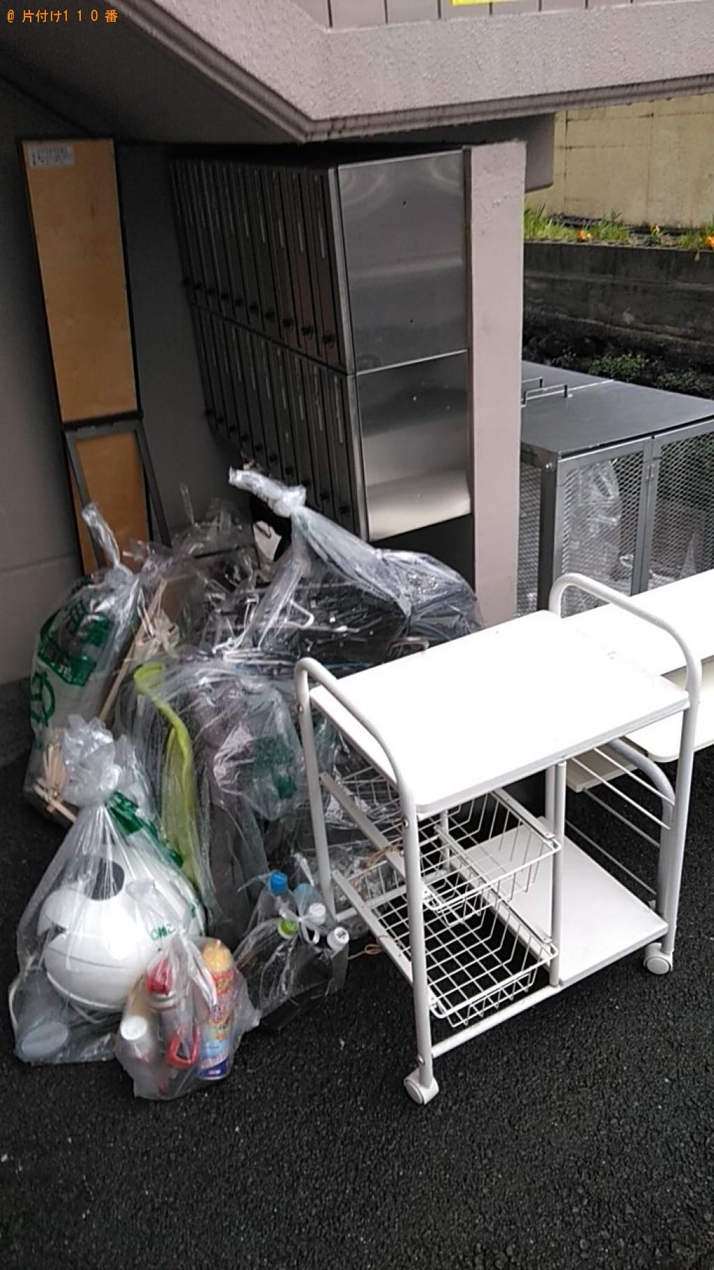 【伊予郡砥部町】スタンドミラー、テレビ台、パソコン台等の回収