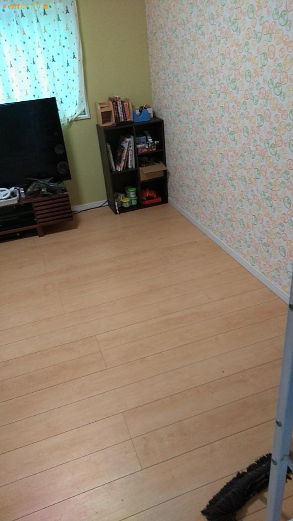 【松山市福音寺町】学習机、ぶら下がり健康器の回収・処分ご依頼