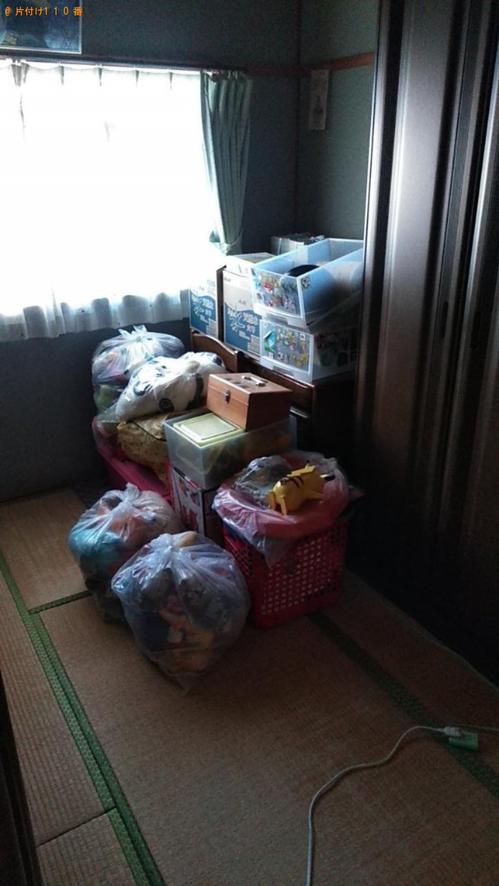 【松山市】パソコン、モニタ、二段ベッド、椅子、学習机等の回収