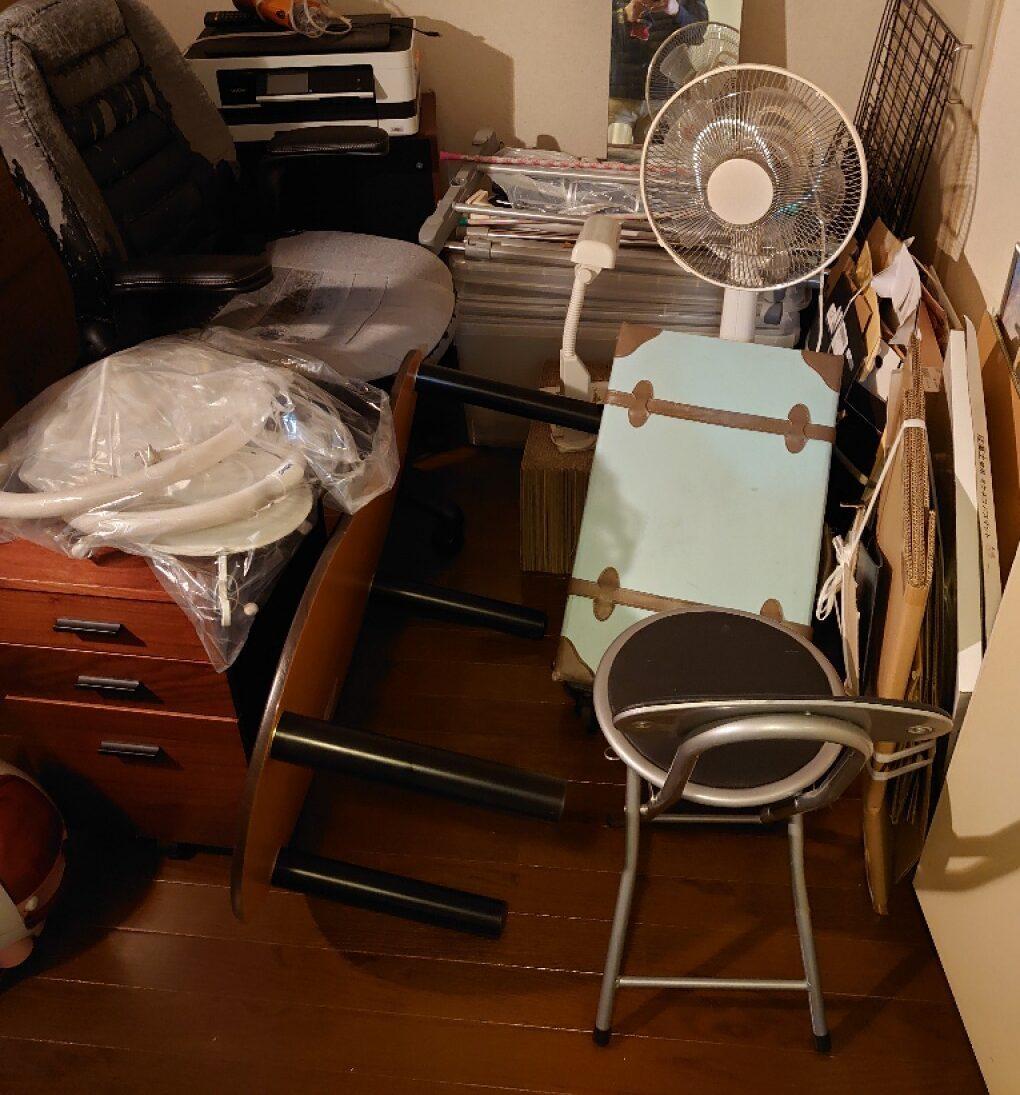 【松山市】洗濯機、パソコン、ガラステーブル、椅子等の回収・処分