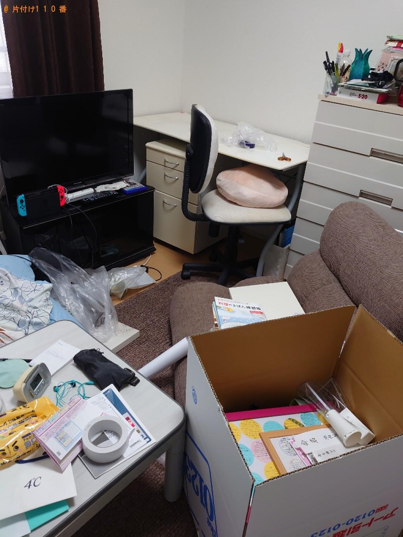 【今治市東鳥生町】こたつ、本棚、食器棚、椅子、学習机等の回収