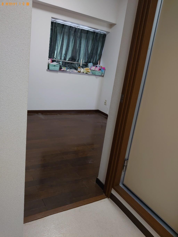 【松山市木屋町】マットレス付きベッド、テーブル、家具等の回収