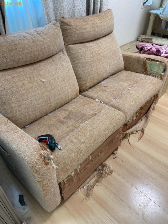 二人掛けソファー、椅子、ダブルベッドマットレスの回収・処分ご依頼